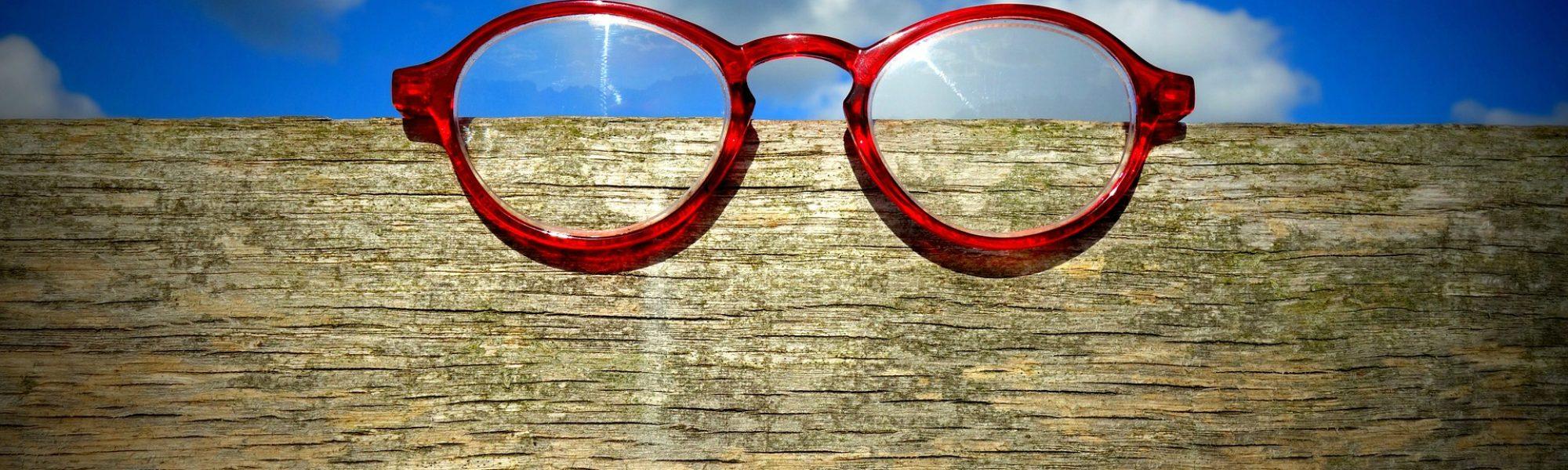 glasses-1583154_1920